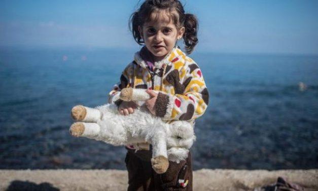 Μαρτυρίες από τους χώρους φιλοξενίας προσφύγων